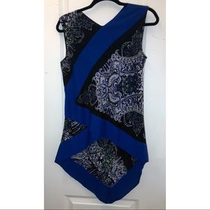 BCBG Maxazria blue printed V shaped top